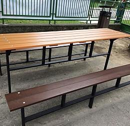 Záhradný stôl a lavice